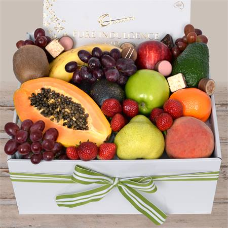 Deluxe Fruit Box with Milk Chocs